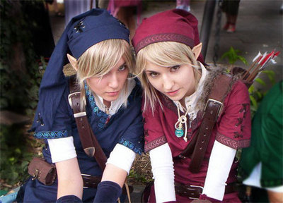 Two Girls Cosplaying Link