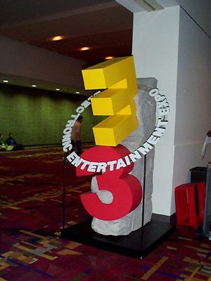 E3 Statue