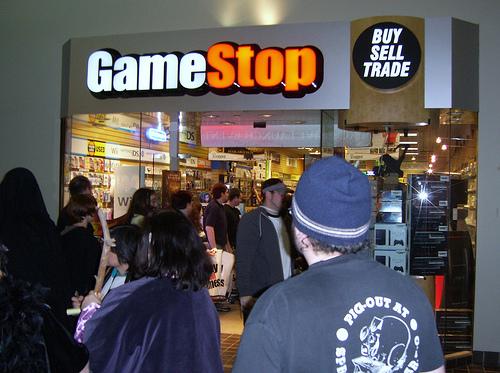 Gamestop-midnight-launch_3ds.jpg