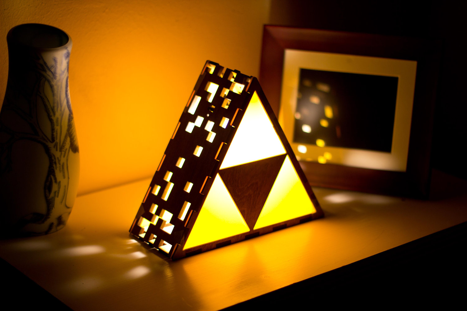 This Lamp Er Set Of Golden Triangles Will Grant Your Wildest Wishes
