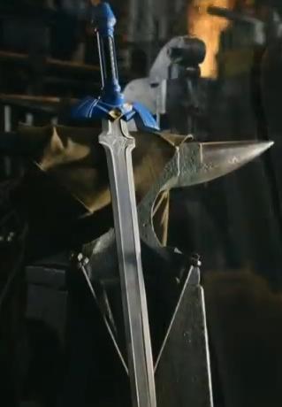 Hollywood blacksmith creates real Master Sword - Zelda Dungeon