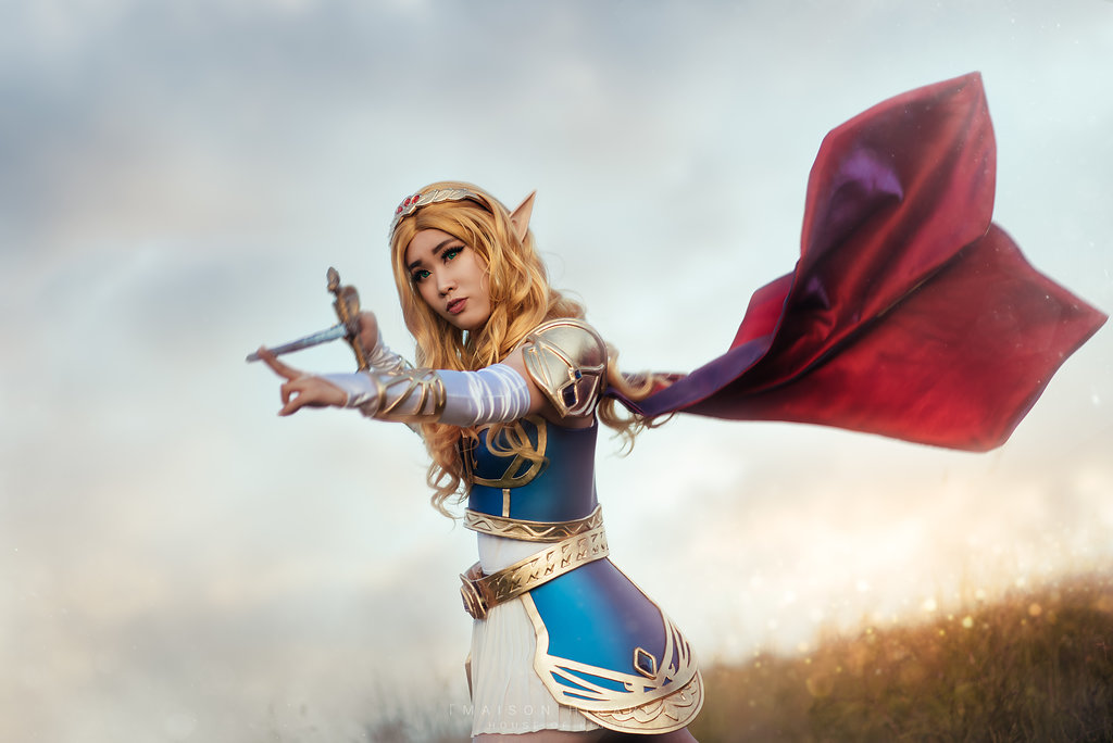Breath of the Wild's Princess Zelda Prepares to Defend Hyrule with this Armored Cosplay